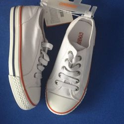GYMBOREE yeni spor ayakkabı p.28 astarı 18 cm Amerika