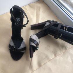 Sandale noi, din piele, p37 Italia.