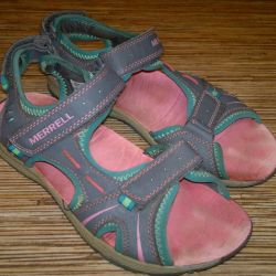 34 Merrell Sandalet