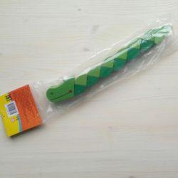 Jucărie din lemn Crocodilul nou.