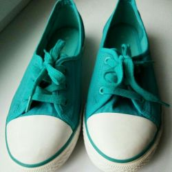 Νέα γυναικεία πάνινα παπούτσια