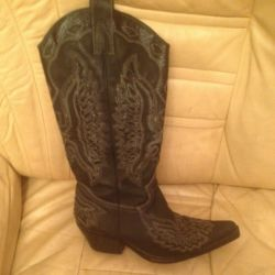 Boots wives