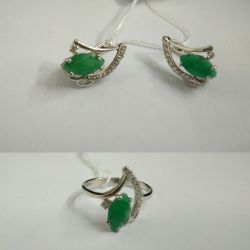 Earrings + silver ring with emerald
