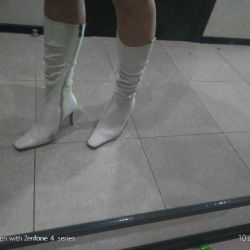 White boots natural leather 39p.