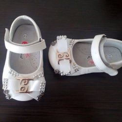 Shoes 23r, new