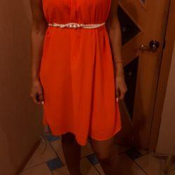 Φόρεμα. Χωρίς περικοπή χωρίς ζώνη