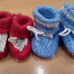 Вязаные носки - пинетки, новые