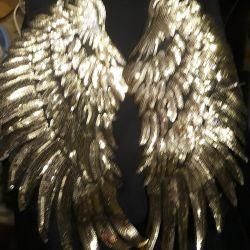 Φτερά λωρίδες στα ρούχα