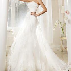 Wedding dress with lace Bela
