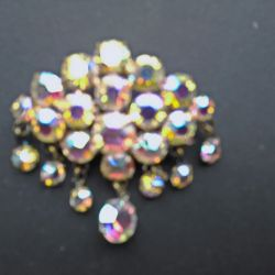 Brooch with pendants made of Czech glass (23 stones).
