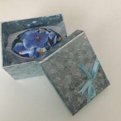 Porselen kutu