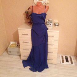 Ένα νέο φόρεμα για να παραγγείλετε