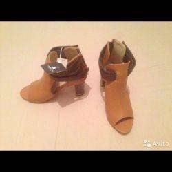Νέες μπότες παπουτσιών 36 r