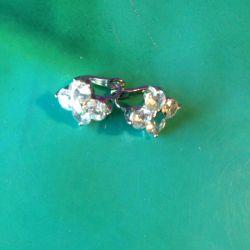 Νέα σκουλαρίκια με στρας