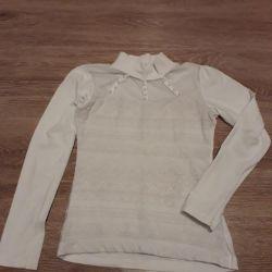 Блузка школьная с жемчугом