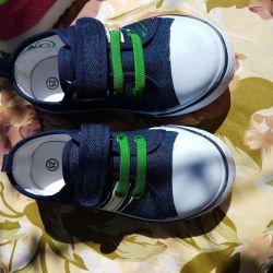Mükemmel sneakers yeni 25 boyutu