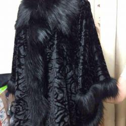 Coat klesh on prominent ladies.