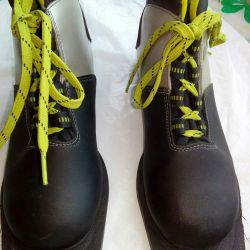 Ботинки для лыжи