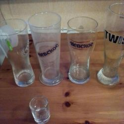 Beer glasses, mugs, piles.