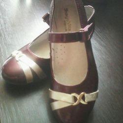 Туфли на девочку 29 раз. Новые