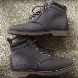 Quiksilver Boots, 37 de ani