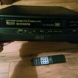 Akai VCR with remote control