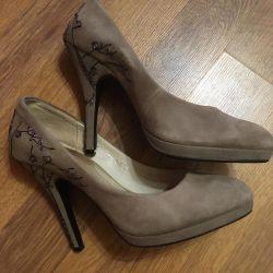 Women's shoes 38r.