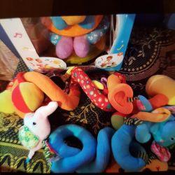 Beşikteki bebek için oyuncak geliştirmek