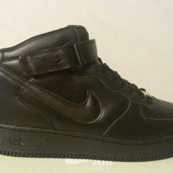 Кроссовки мужские Nike Air Force 1 Mid