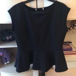 Блуза з басками