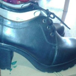 Boots new, size 39