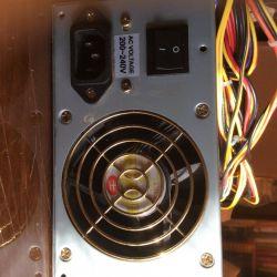Τροφοδοσία για τον υπολογιστή 350W