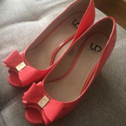 Coral Shoes 37.5-38 r