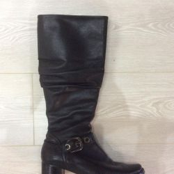 37-37.5 size genuine leather and black shoes