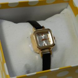 Women's watches new, different colors, super quality