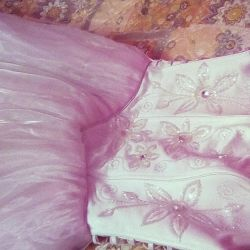 Elegant wedding dress with Swarovski crystals