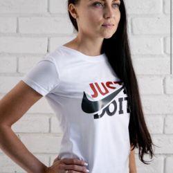 Футболка Nike белая женская