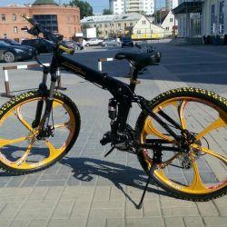 Cast tekerlekler üzerinde şık Lamborghini bisiklet