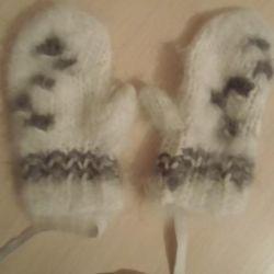 Πλεκτά γάντια και κάλτσες