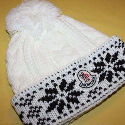 Nouă pălărie caldă moncler