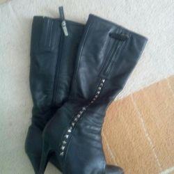 Demi-season leather boots 37-38