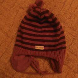 Kerry Caps New