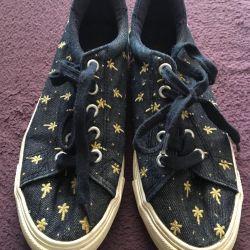 Ανδρικά πάνινα παπούτσια με φοίνικες, σε άριστη κατάσταση