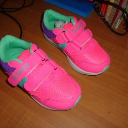 I will sell new sneakers rr26
