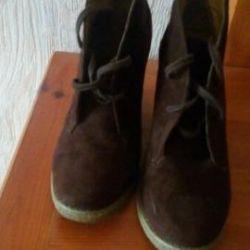 Φυσικές μπότες ποδιού σουέντ