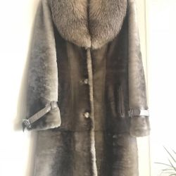 Fur coat from mouton