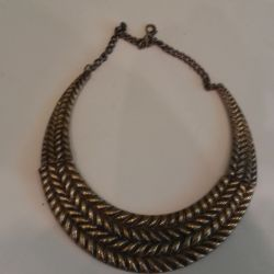 Necklace of dark gold
