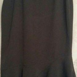 φούστα με διαφορετικό στρίφωμα