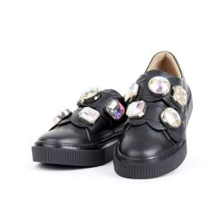 Pantofi noi din piele