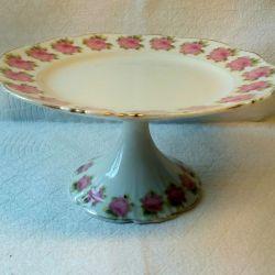 Старинная ваза для пирожных